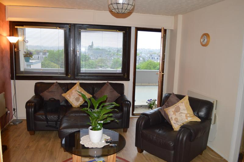 Aberdeen City Centre Apartment & Private Balcony, Ferienwohnung in Aberdeen