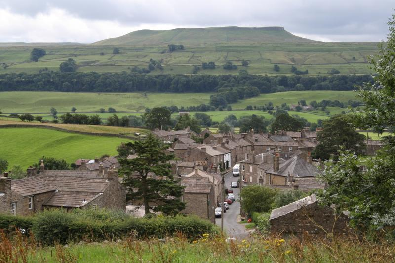 Located in the beautiful village of Askrigg with excellent walks from your doorstep