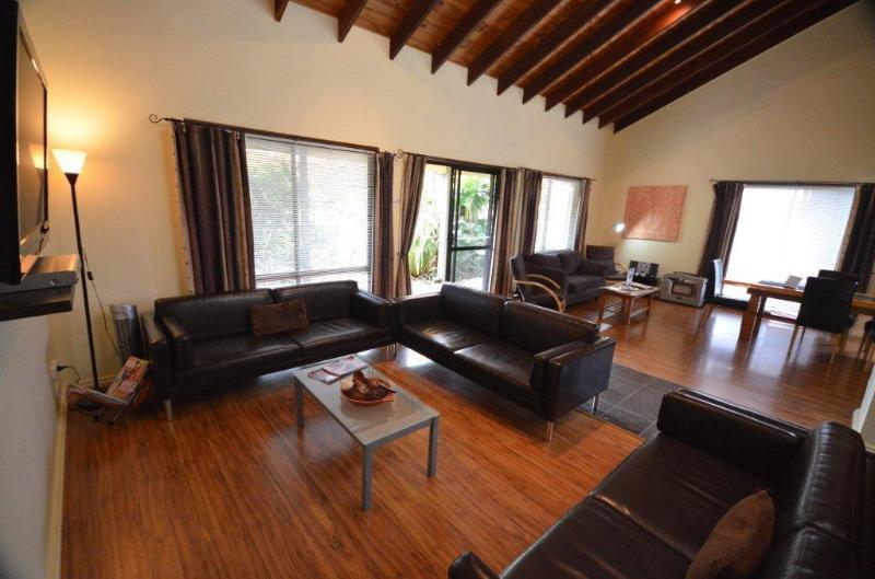 4BR Cumberland Spa Villa, holiday rental in Norfolk Island