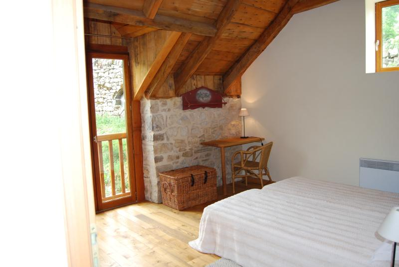 "Room ""Aubrac"" - 2 80x200 beds - with separate bathroom and toilet"