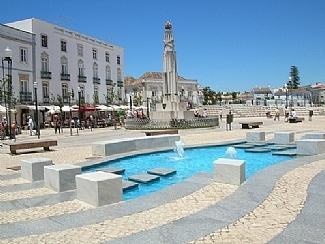 Tavira square