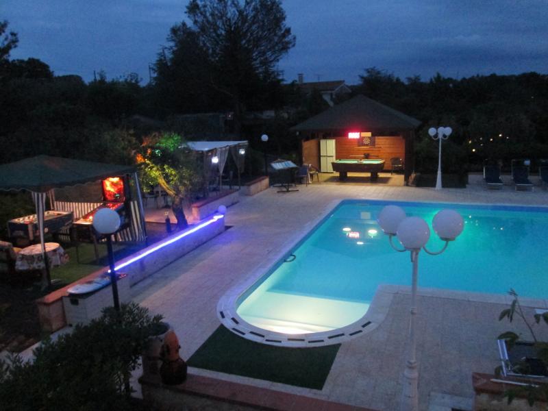 villa con piscina in puglia, holiday rental in Putignano