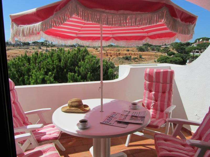 Familia Barton, holiday rental in Loule