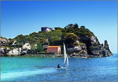 Isola lachea Acitrezza