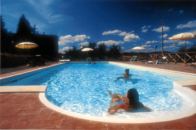 TUSCANY  b&b rooms in country  near Siena, vacation rental in Buonconvento