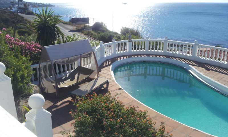 Room holidays villa in sotogrande