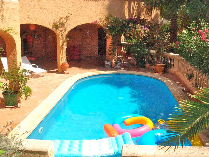 Quiet private place in mallorca garden swimming pool - Summer house with swimming pool review ...