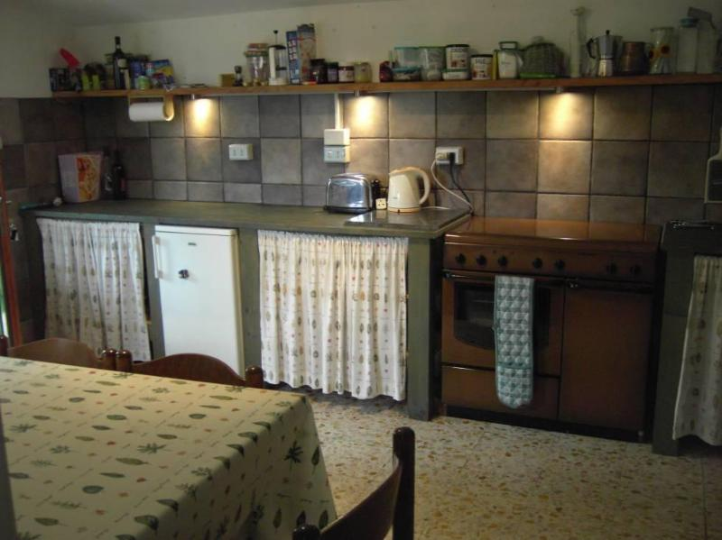 Dining Kitchen. 6 burner electric and gas cooker. Inside dining for up to six people.