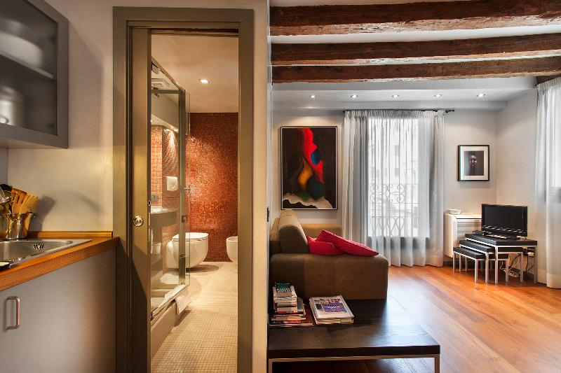 Charming Canal View - San Marco - Venice apartment - Entrance