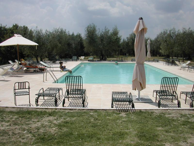 Medieval Castle - Two bedrooms Large Pool in Umbria, holiday rental in Migliano