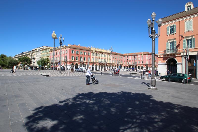 The apartment building is located on the historic centre piece of Nice - Place Massena