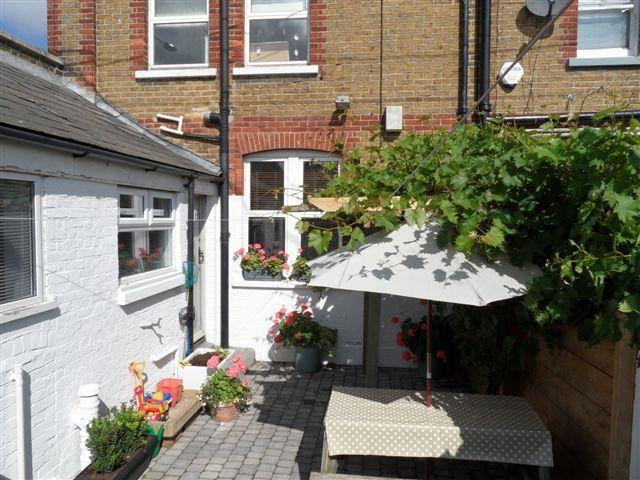 Coastguard's Cottage, overlooking seafront., vacation rental in Whitstable