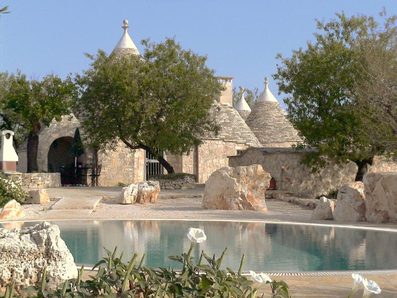 Trullo Patrizia from the pool