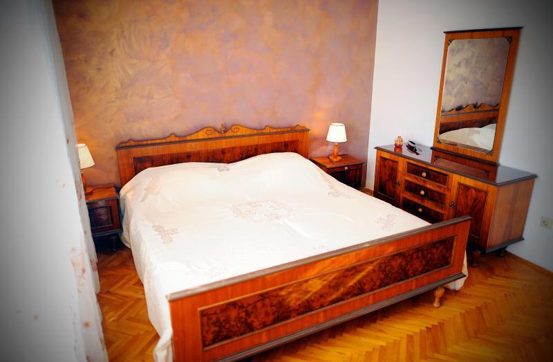 Mobília do quarto de cama de casal King