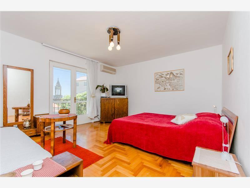 Dormitorio / sala de estar