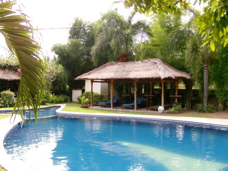 Sunset Villa , private villa, gorgeous pool, vacation rental in Lendangluar