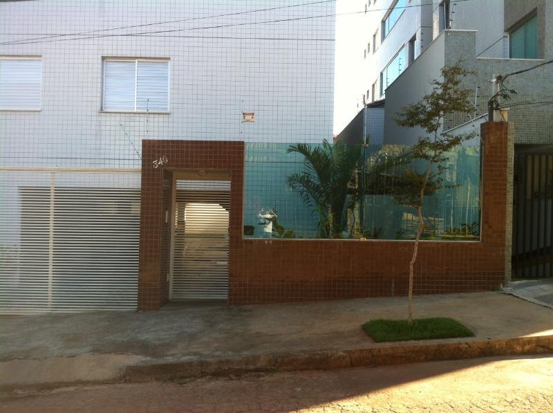 Fachada frontal do prédio