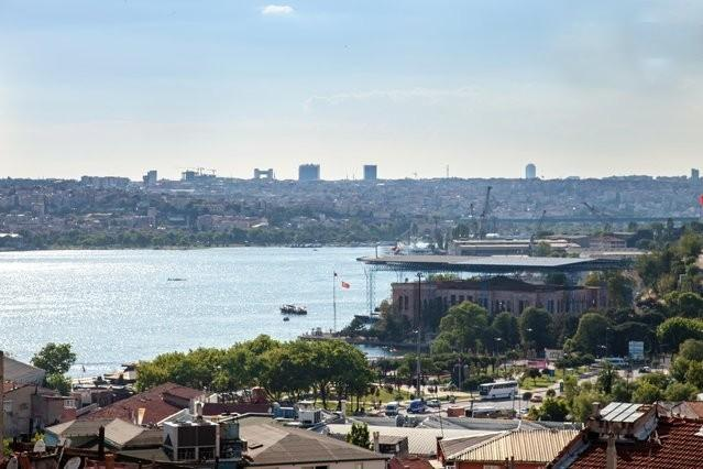 wiew of the Golden Horn from the living room