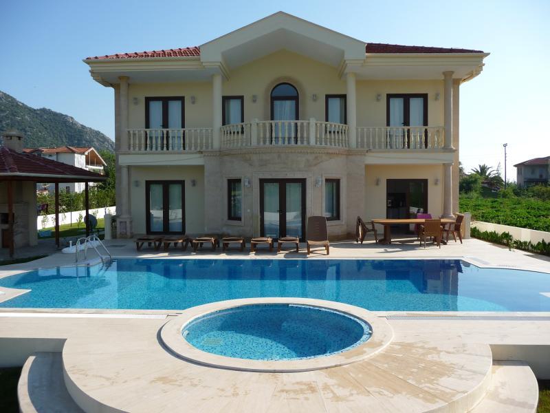 Villa Leisha
