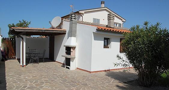 Casotto di Venezia Villa Sleeps 5 with Pool and Air Con - 5228885, holiday rental in Principina Terra