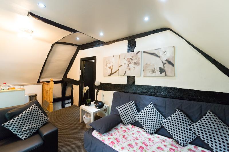 Avon View Lounge Area