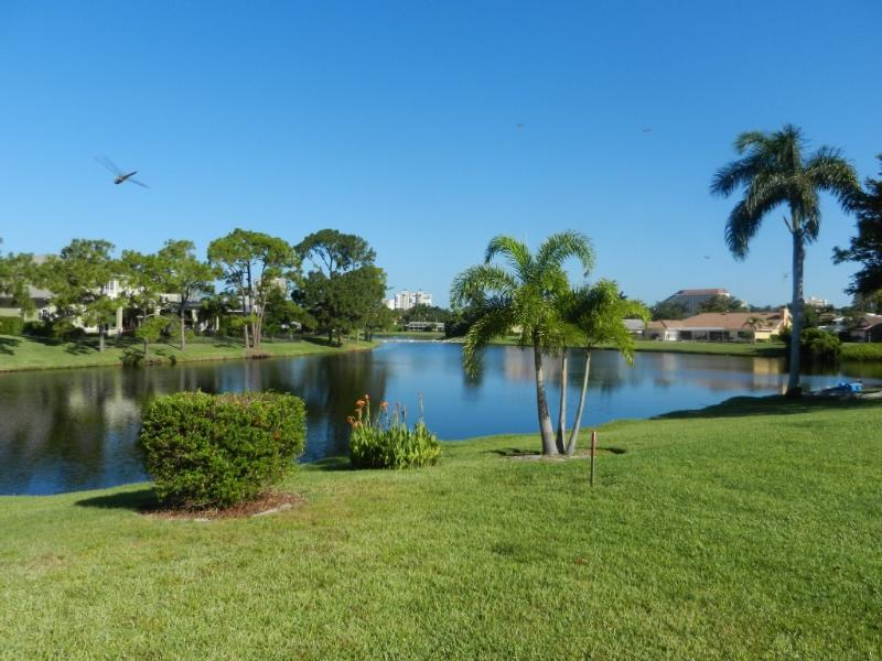 best location an the Lake and 5 Min. from the beach