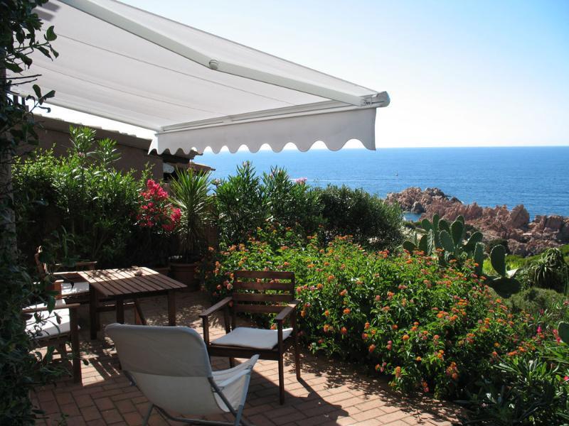 una terrazza sul mare, vacation rental in Costa Paradiso