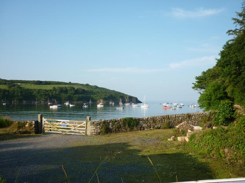 Flushing Cove Cottage, holiday rental in Gweek