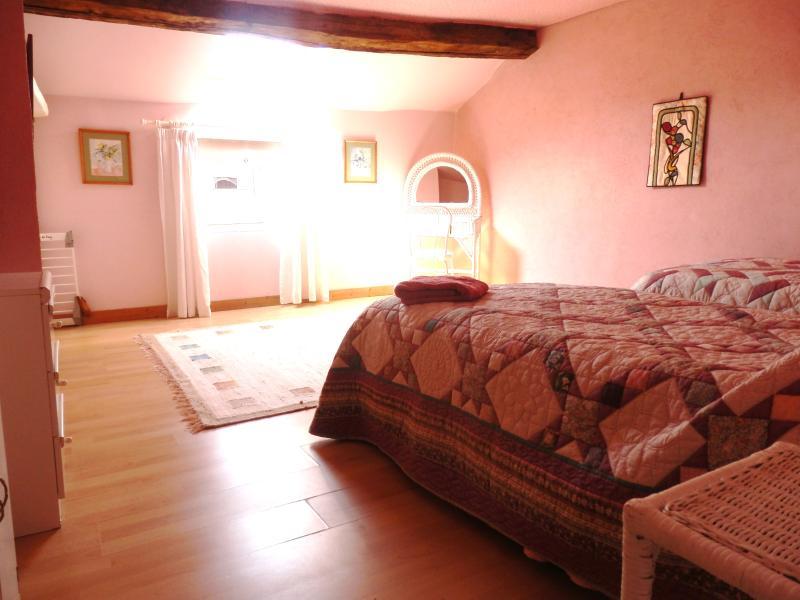 Pink second floor twin bedroom (twin single beds)