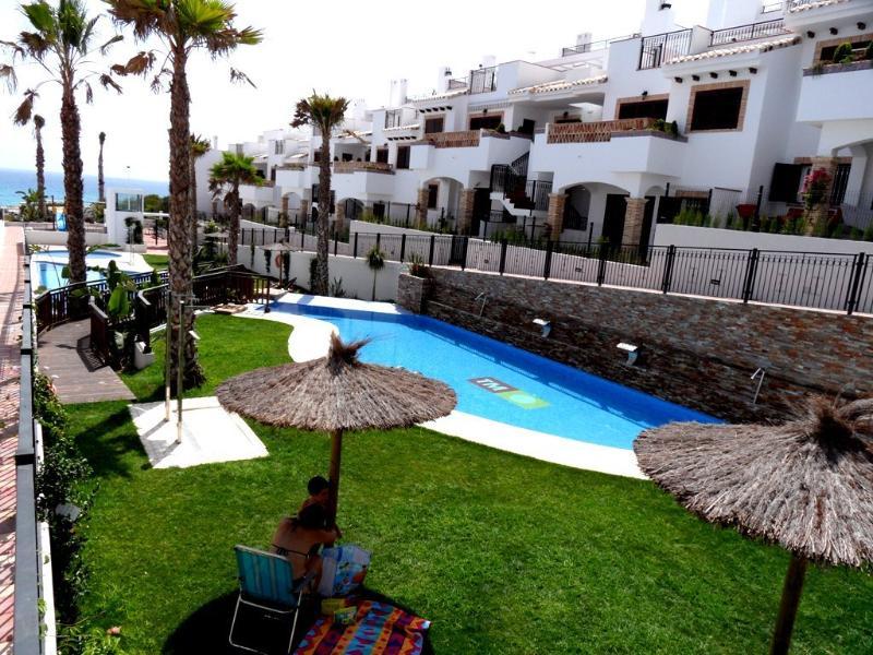 Gorgeous Apartment Near the Beach Quiet Safe 277 – semesterbostad i La Mata