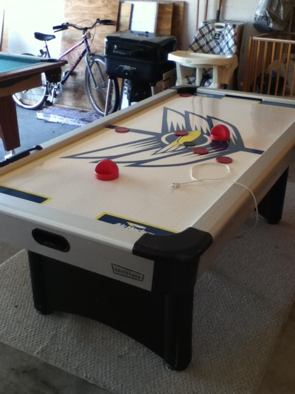 Games area - Air hockey table