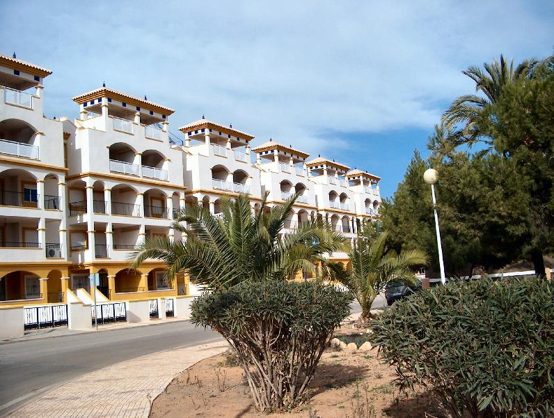 Luxury Penthouse with  Pool, WiFi, Sky TV, Beach, vacation rental in Mar de Cristal