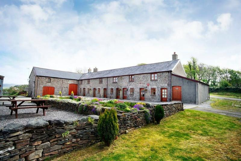 Cilhendre Fawr Farm Cottages, location de vacances à Swansea