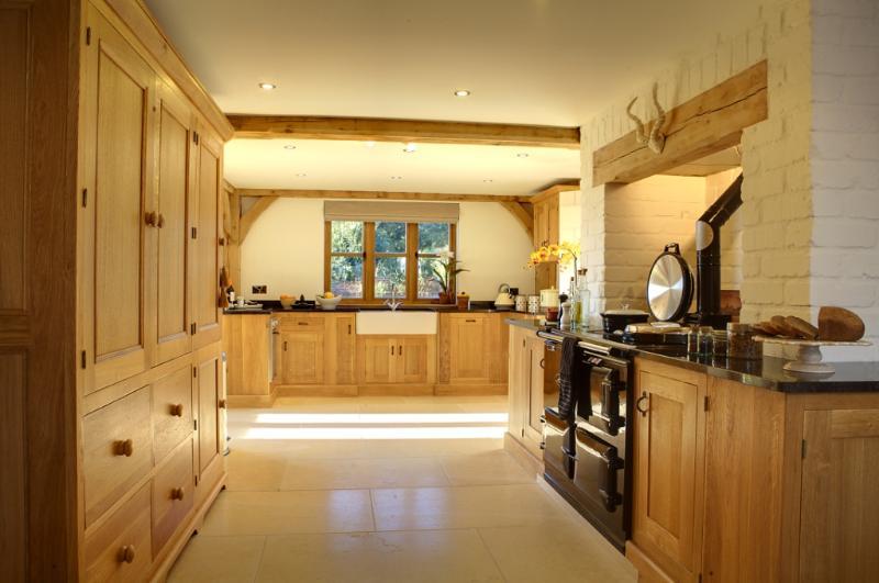 fabulous oak kitchen with every appliance