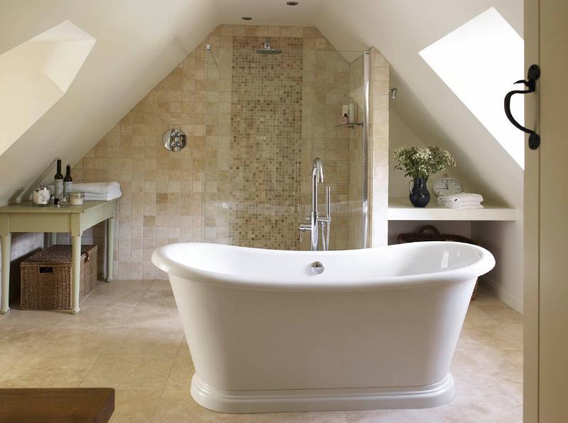 master en suite with wetroom shower