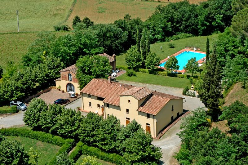 APARTMENT VILLA AVANELLA 3/FIENILE tuscany holiday, holiday rental in Certaldo