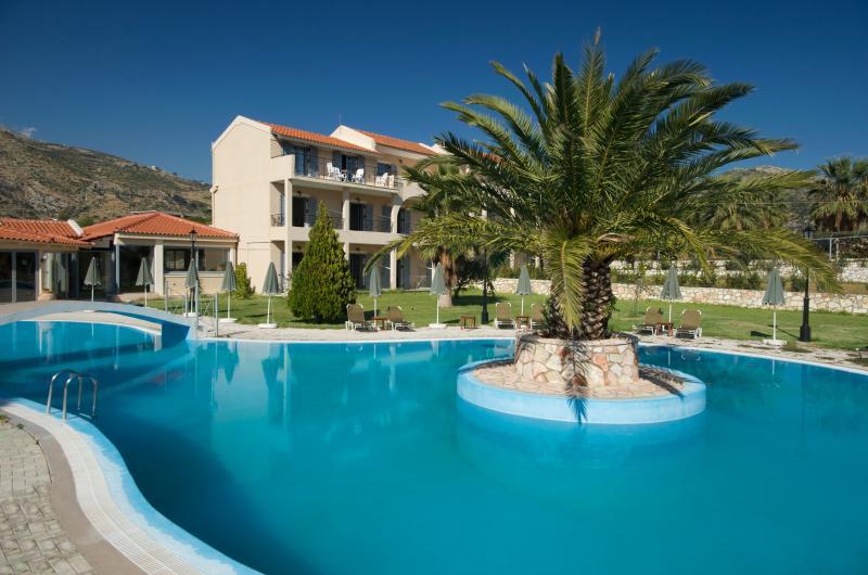 Alkioni Hotel, vacation rental in Katelios