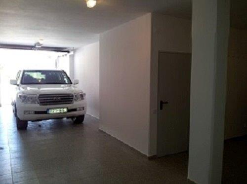 Garage available for 2 cars