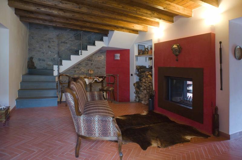 LA CASA DEL FALCO, vakantiewoning in Rocchetta di Vara