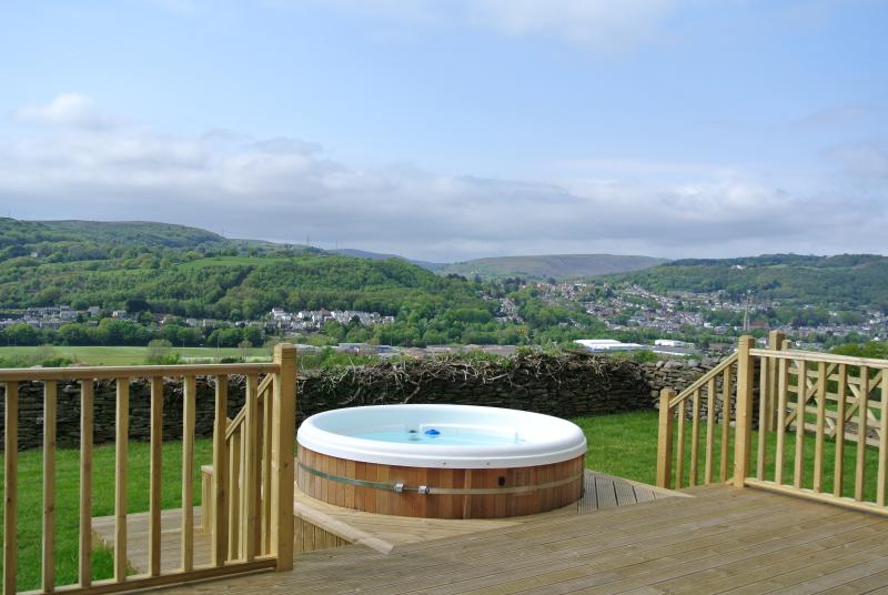 Cilhendre Fawr Farm Cottages, vacation rental in Felindre