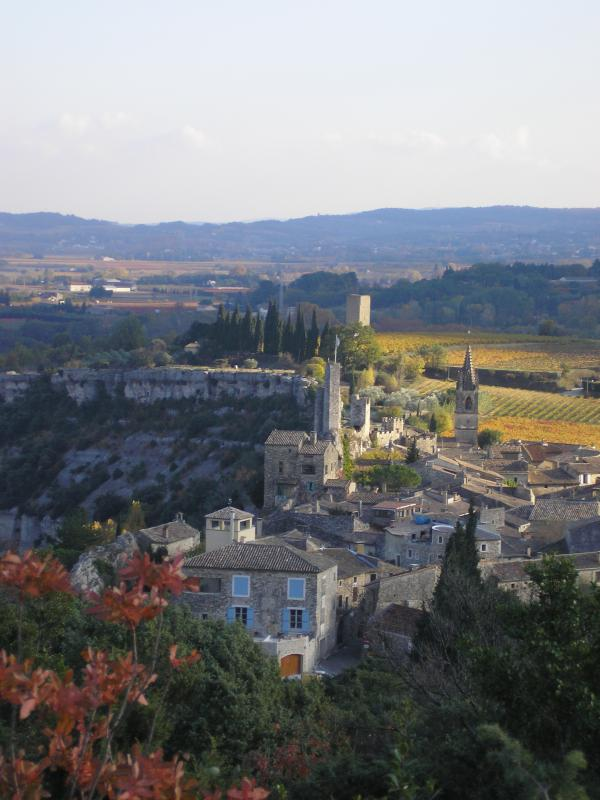 Aiguèze, in November, since the maquis and garrigue that dominate the village