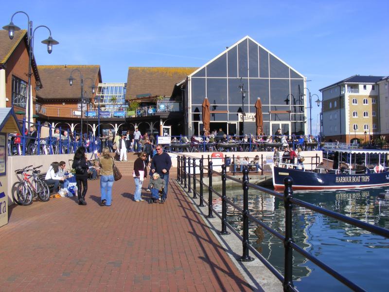 Harbour restaurants