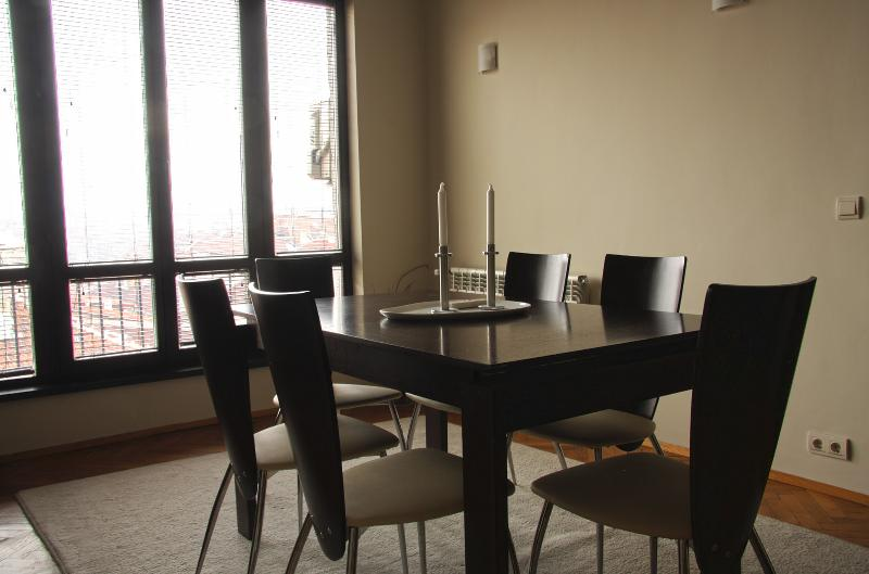 Dining area for six with a nice veiw to the city center