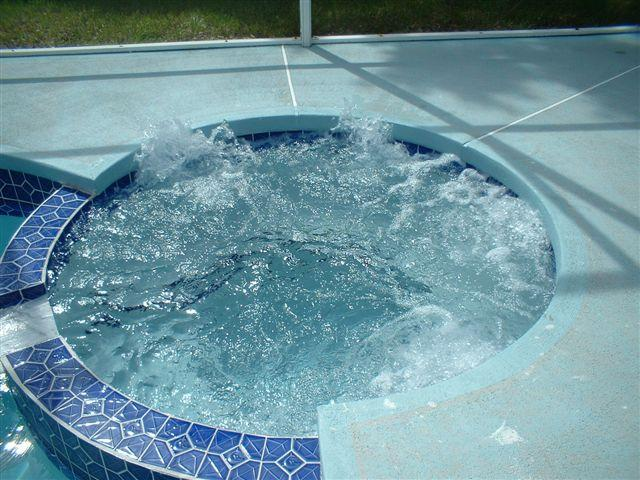 Jacuzzi Spa / Hot Tub
