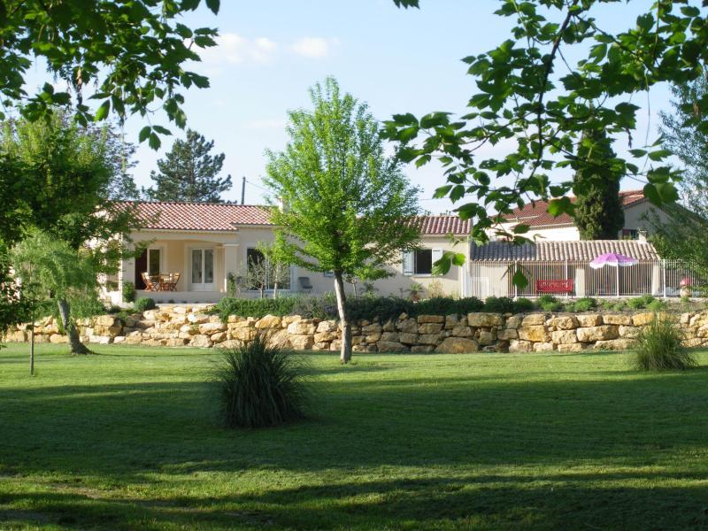 La Villa de l'Auzon, vacation rental in Carpentras