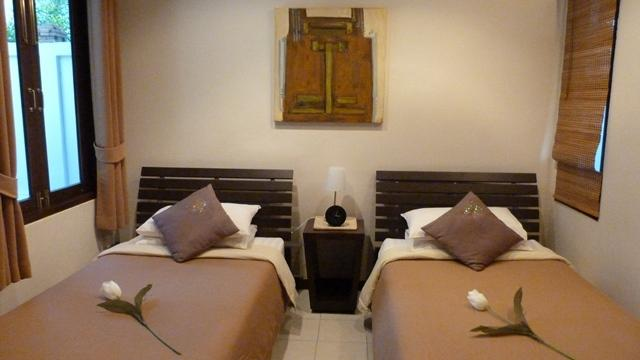 Bedroom 3 with twin beds and if required king-size configuration is available