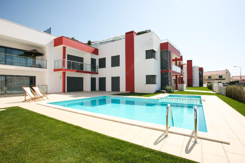 D WAN DELUXE PENTHOUSE | AC | 2 BEDROOMS, vacation rental in Peniche