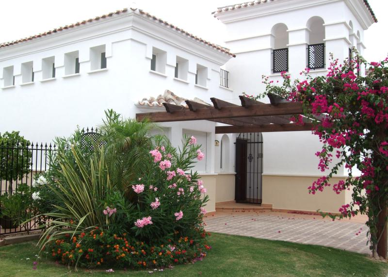Front of villa Casablanca