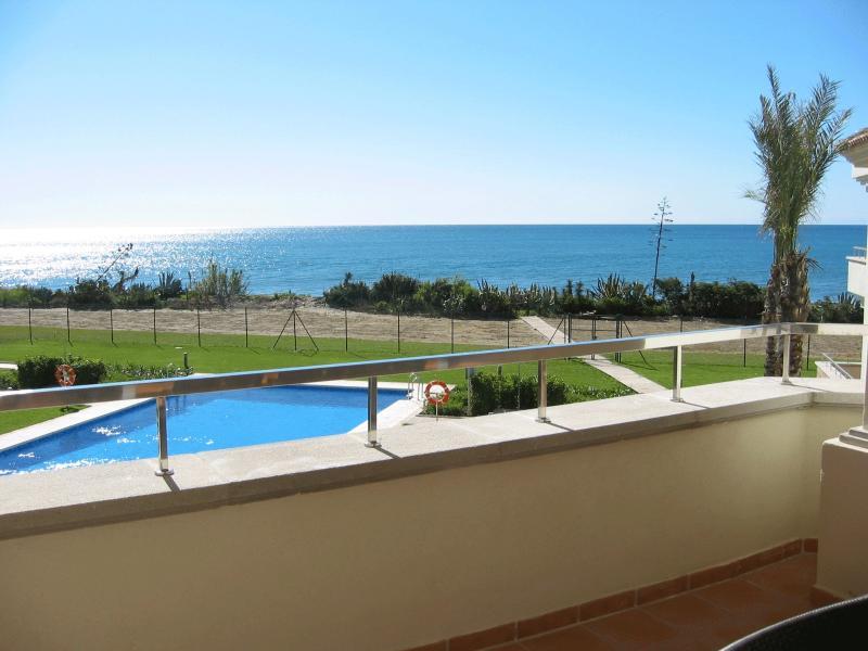Go for a dip in the pool or the sea, it's your choice!