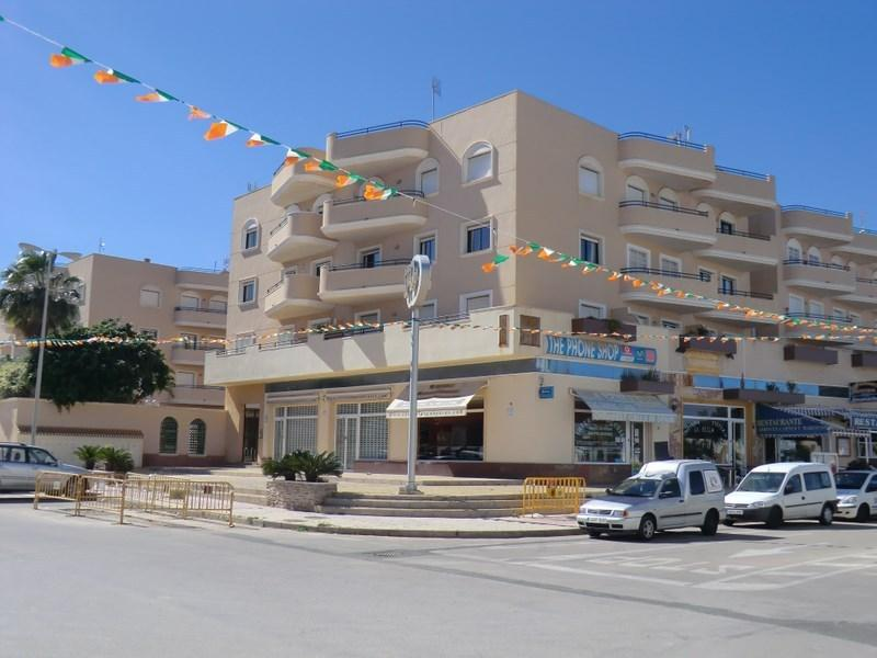 CABO ROIG -  2 Bed APARTMENT (R2), vacation rental in Orihuela Costa